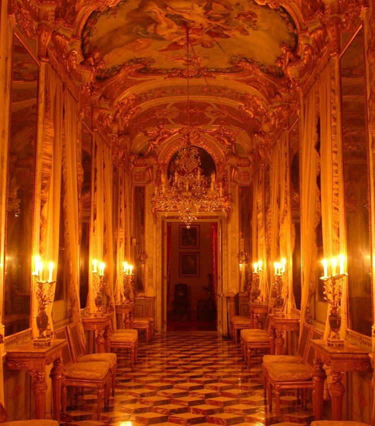 Oggi la galleria degli specchi di palazzo spinola - Finestre sull arte ...