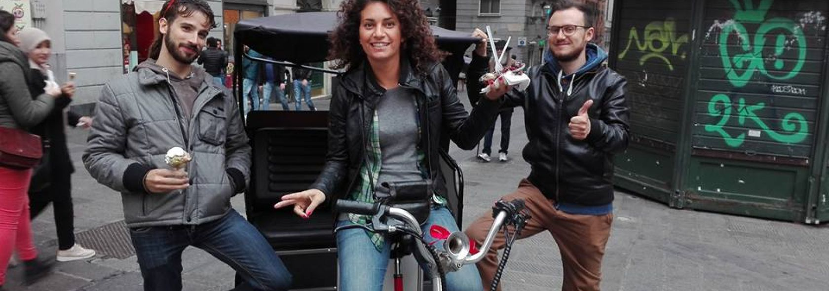 TreeCycle - The Old Town of Genoa by electric pedicab: Via San Lorenzo