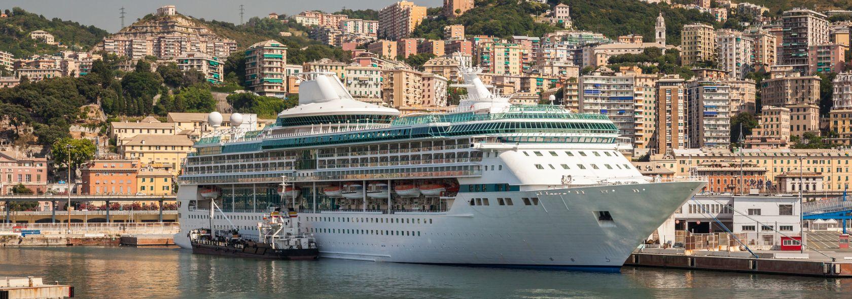 Navi in porto a Genova
