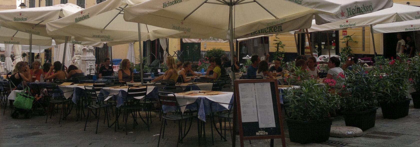 La città degli aperitivi - Piazza delle Erbe