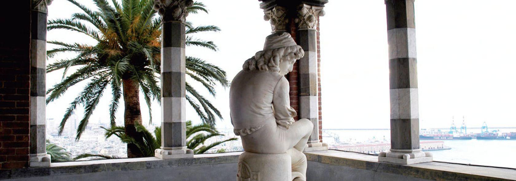 Museo delle Culture del Mondo - Loggia con la statua di Colombo giovinetto