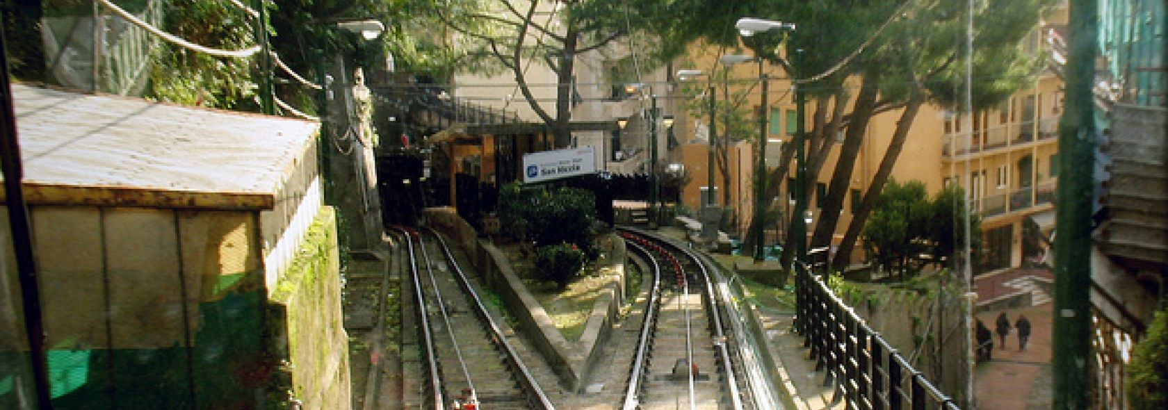 Öffentliche Verkehrsmittel | Visitgenoa.it