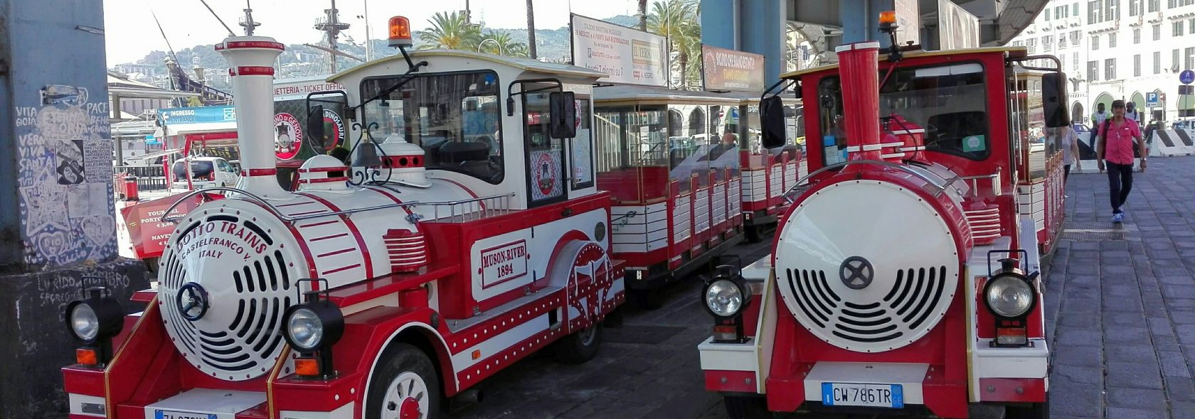 Genoa city tour aboard the Pippo train