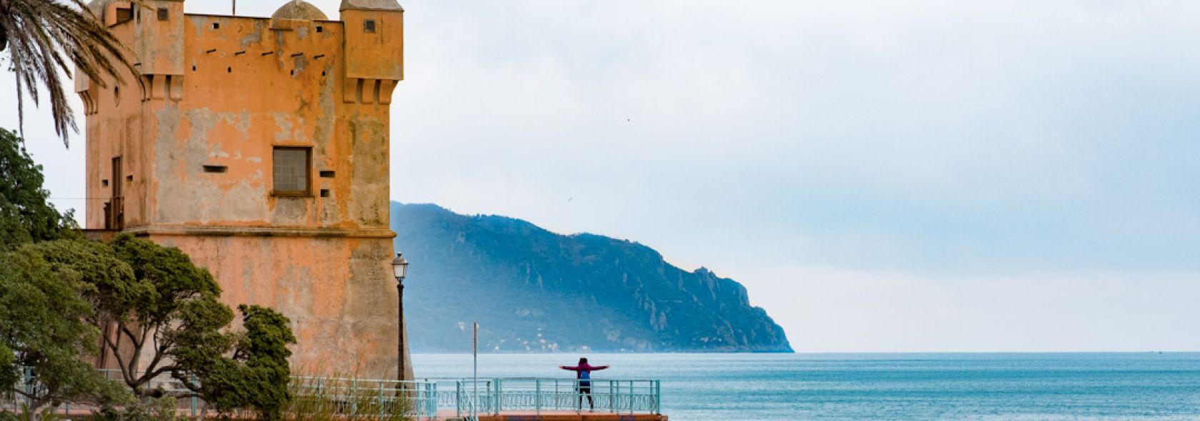 """Torre Groppallo o """"torre del fieno"""" e il promontorio di Portofino - Marco Gozzi"""