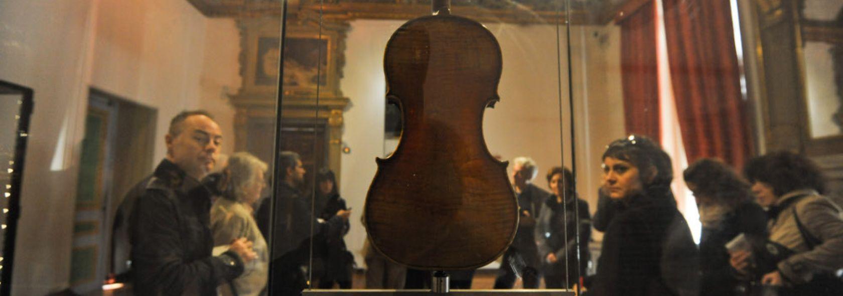 Sala Paganiniana at Palazzo Tursi - ph.Leoni