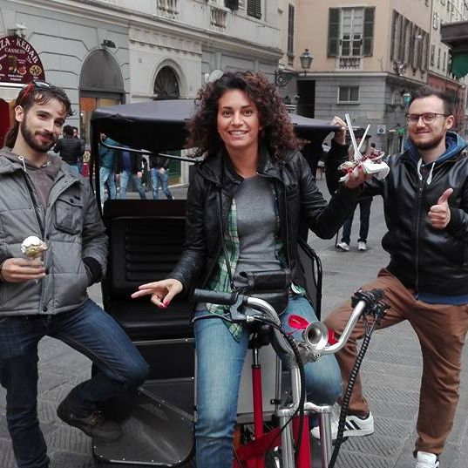 TreeCycle - The Old Town of Genoa by electric pedicab: Via San Lorenzo