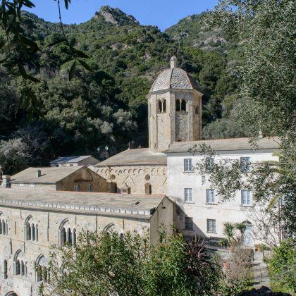 Boat trips to the Riviera: San Fruttuoso abbey