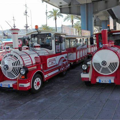 Genoa city tour aboard the Pippo train