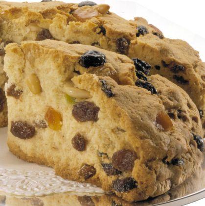 Pandolce basso (flat sweetbread) - © M&R Comunicazione - Genova