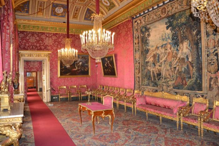 L equilibrio del colore i pacifici for Planimetrie del palazzo con sala da ballo