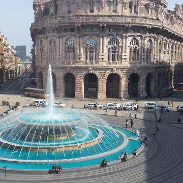 Piazza De Ferrrari - fontana colorata
