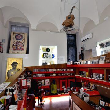 Via del Campo 29Rosso - foto: Furio Belloro