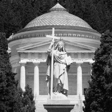 Il Pantheon e la statua della Fede