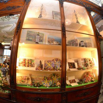 Historische Läden Romanengo (ph: Studio Leoni)