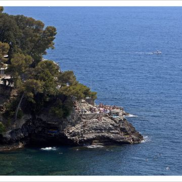 The sea and its beaches: scogliere di Nervi - © Stefano Goldberg-Publifoto ph.