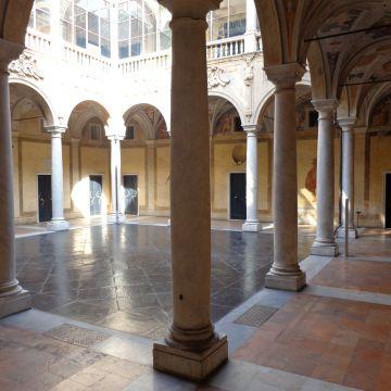 Palazzo Antonio Doria, prefettura - atrio - foto: Wikipedia CC-BY-SA-3.0