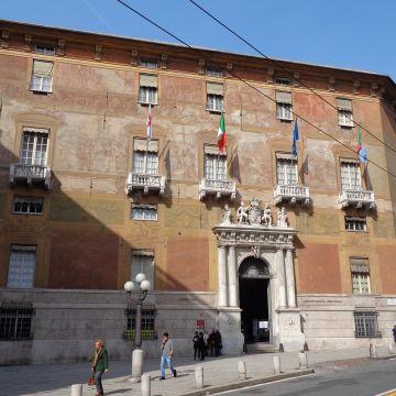Palazzo Antonio Doria, prefettura - facciata - foto: Wikipedia CC-BY-SA-3.0