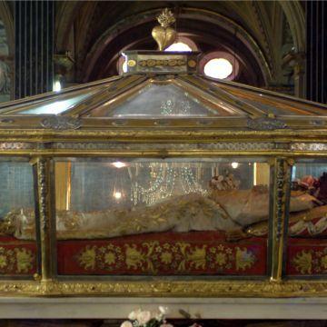 Il Santuario di Santa Caterina da Genova - il corpo della Santa