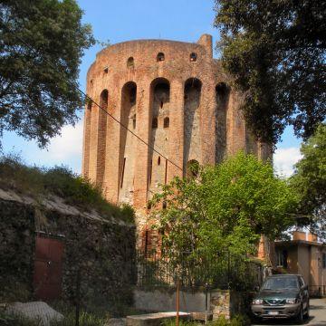 Torre S. Bernardino foto: Bbruno CC 3.0