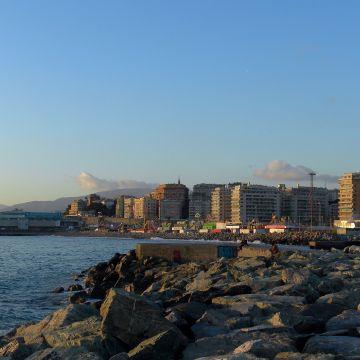 Il mare dal quartiere della Foce